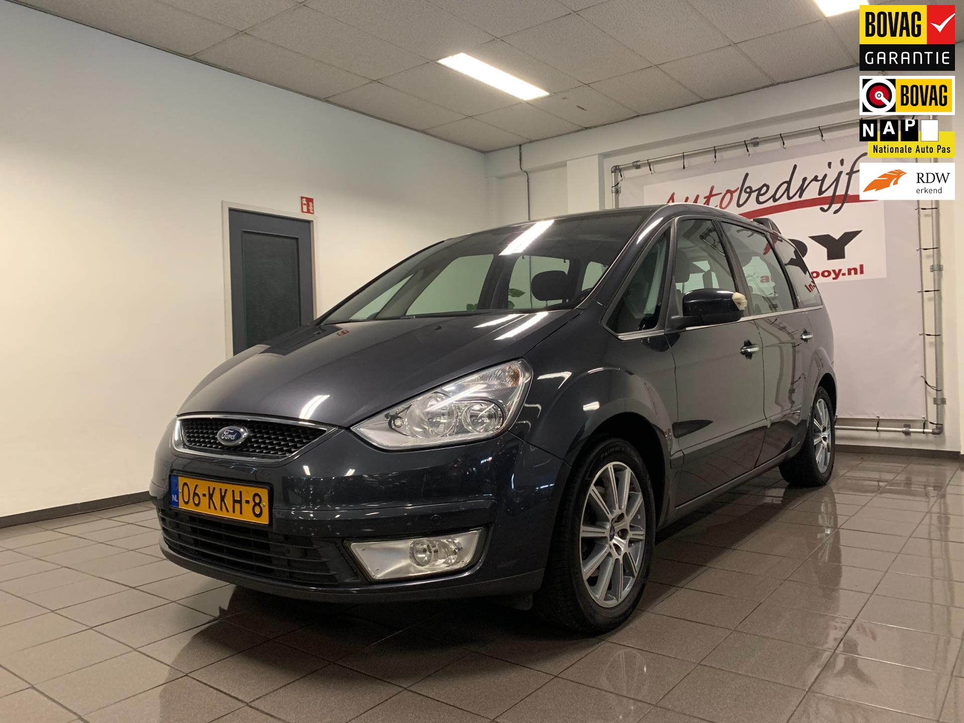 Ford Galaxy 2.0 Ghia Limited * 7 Persoons / Navigatie / Trekhaak *