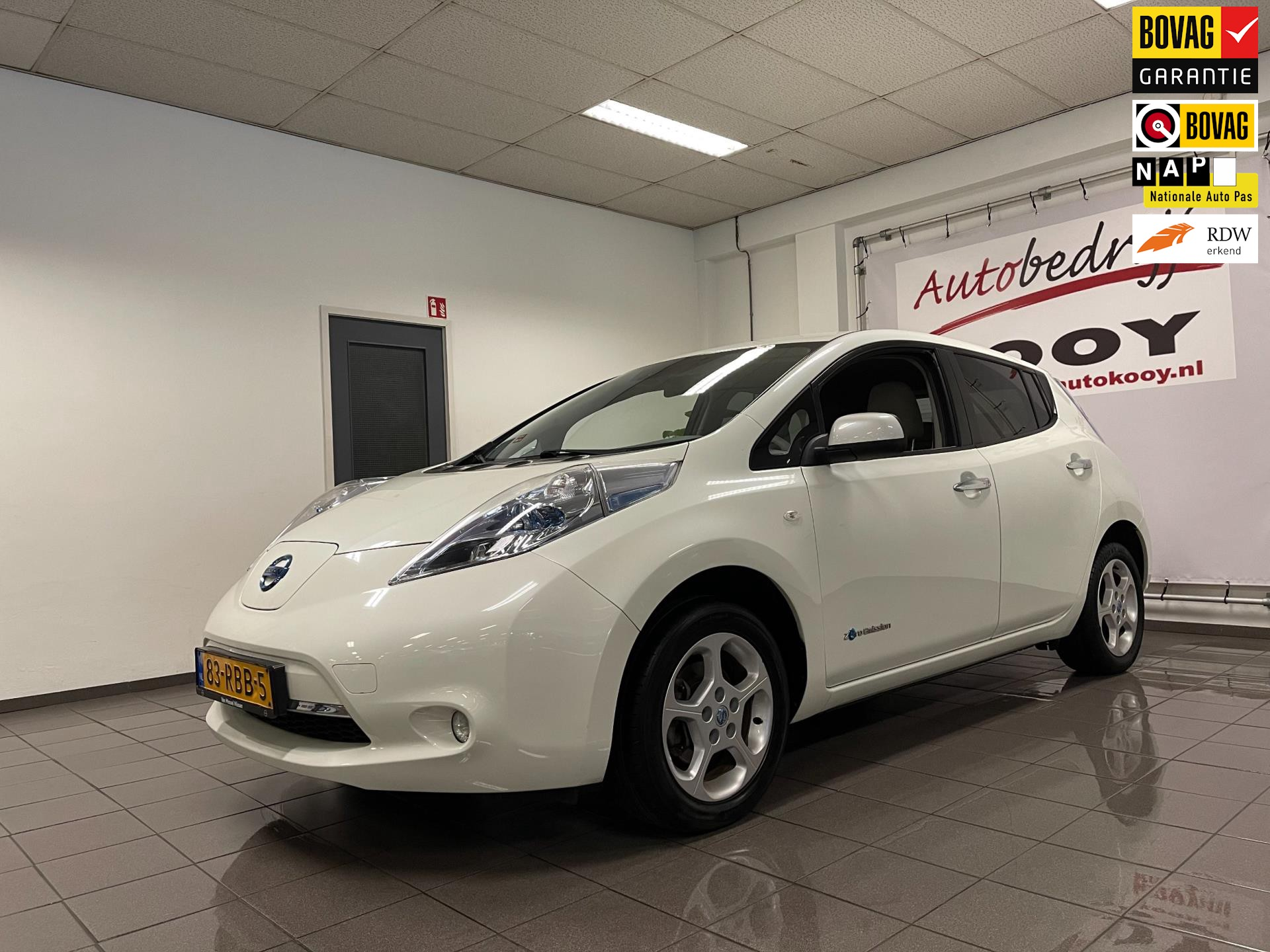 Nissan LEAF Base 24 kWh * Xenon / Camera / Navigatie / NL Auto *